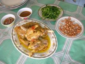 hidangan komplit ayam betutu
