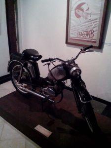 Sepeda motor antik
